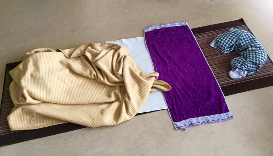 gastartikel schlafen auf dem boden der tatsachen wild und bunt. Black Bedroom Furniture Sets. Home Design Ideas