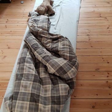 """Mein """"Bett"""" passt in ein Schrankfach"""